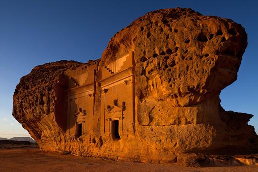 Гробница Мадаин-Салих в оазисе Аль-Ула, Саудовская Аравия