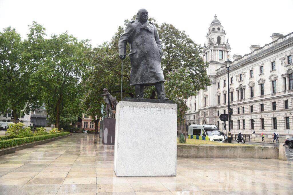 Уинстон Черчилль, Лондон