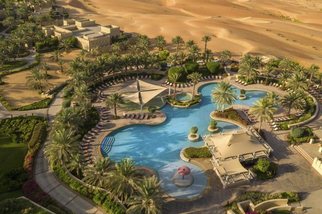 Курорт Каср-аль-Сараб в пустыне