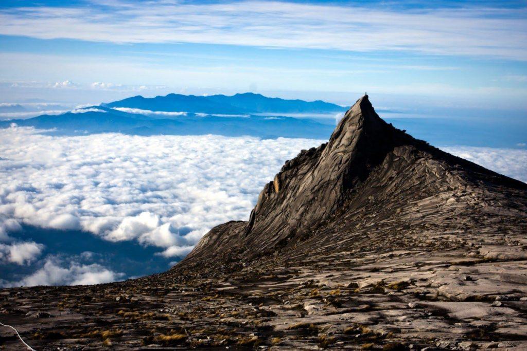 Кинабалу - самую высокая гора в Малайзии