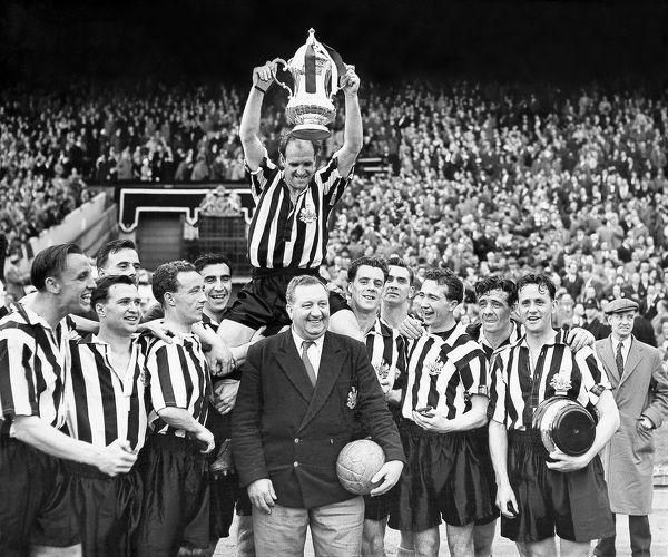 Ньюкасл Юнайтед - одиннадцать трофеев