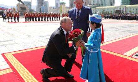 Почему Россия пытается завоевать расположение Монголии?