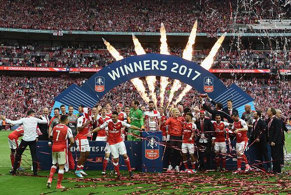Арсенал - тридцать трофеев