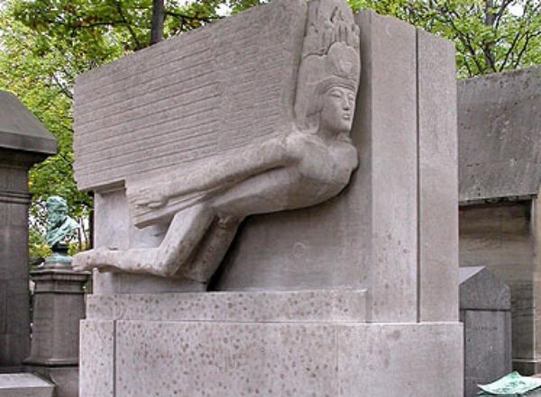 Джим Моррисон и Оскар Уайльд, кладбище Пер-Лашез, Париж