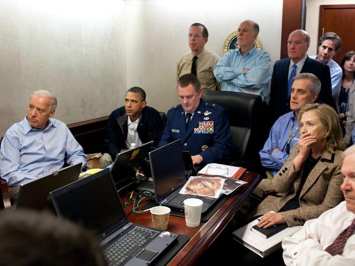Обама с членами национальной безопасности по случаю уничтожения бен Ладена