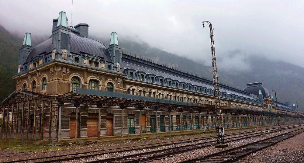 Международный железнодорожный вокзал Канфранк, Испания