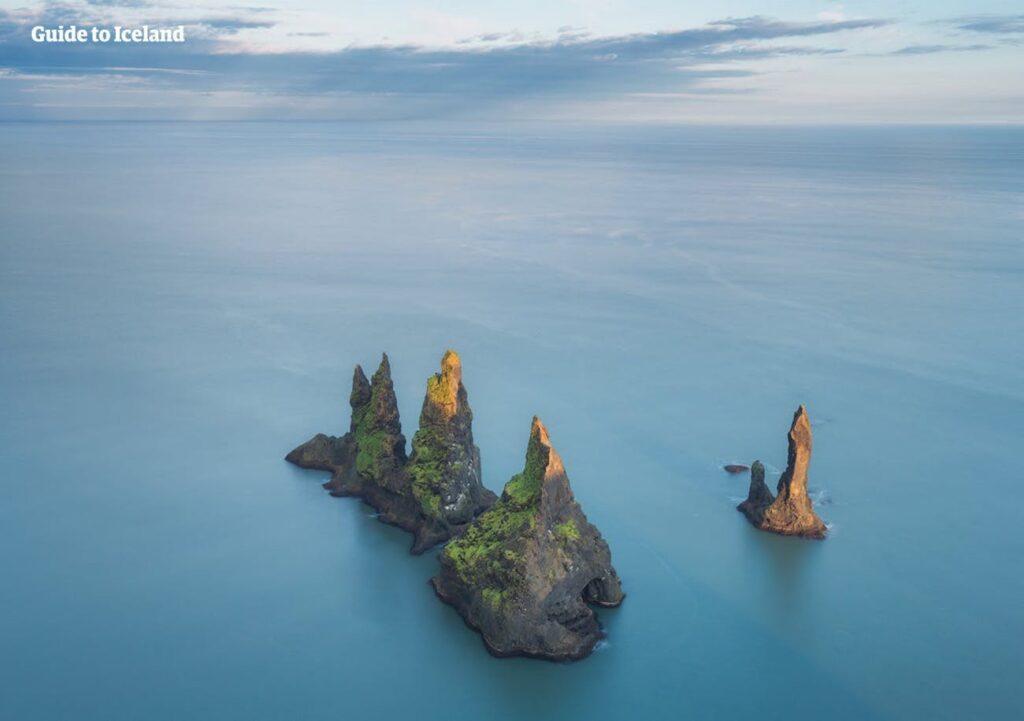 Рейнисдрангар, недалеко от Вик-и-Мирдал, Исландия