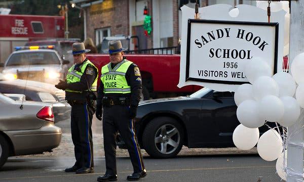 После инцидента в школе Сэнди Хука в США произошло 2000 массовых расстрелов