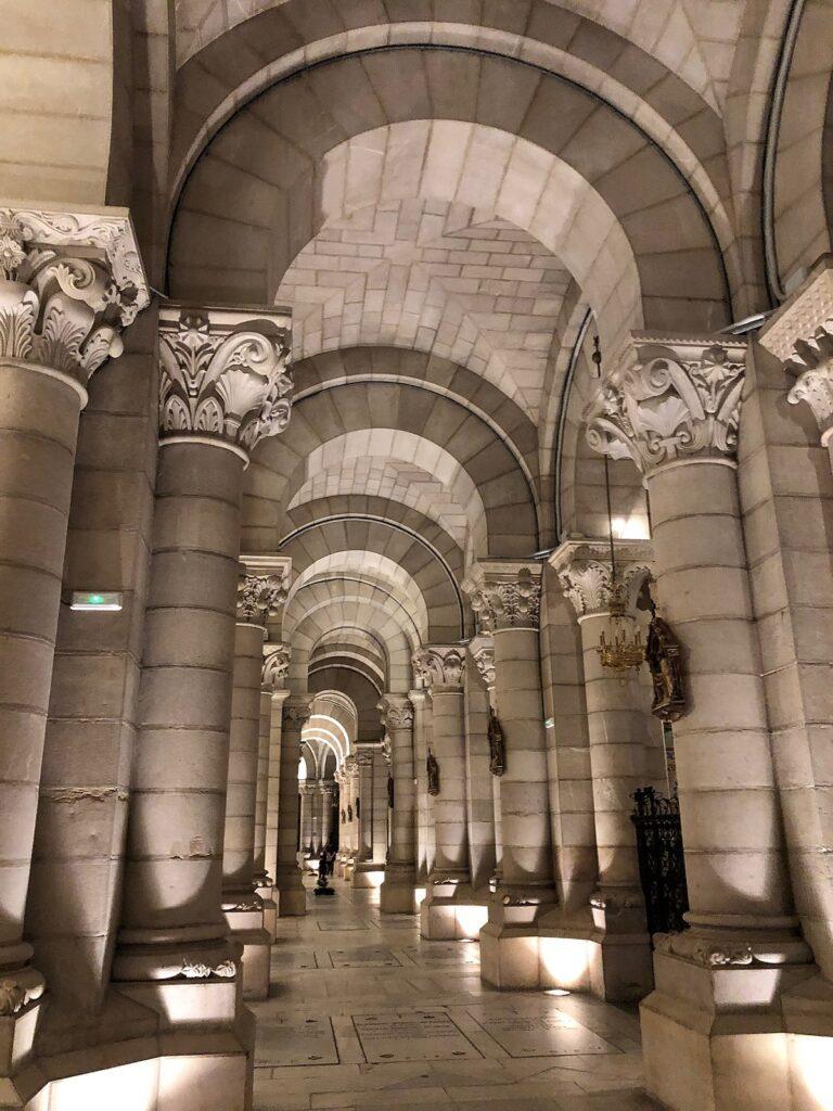 Склеп собора Альмудена