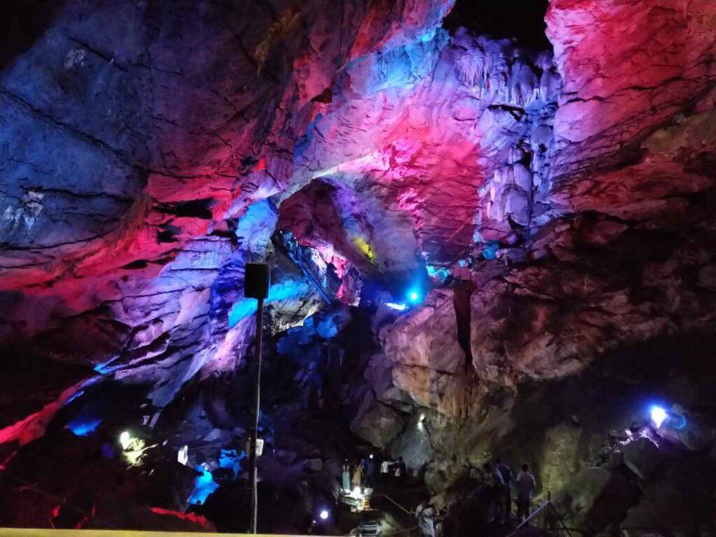 Пещеры Борра