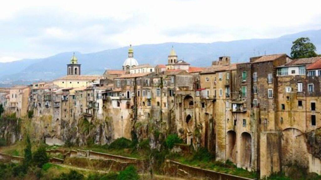 Сант-Агата-де-Готи, Италия