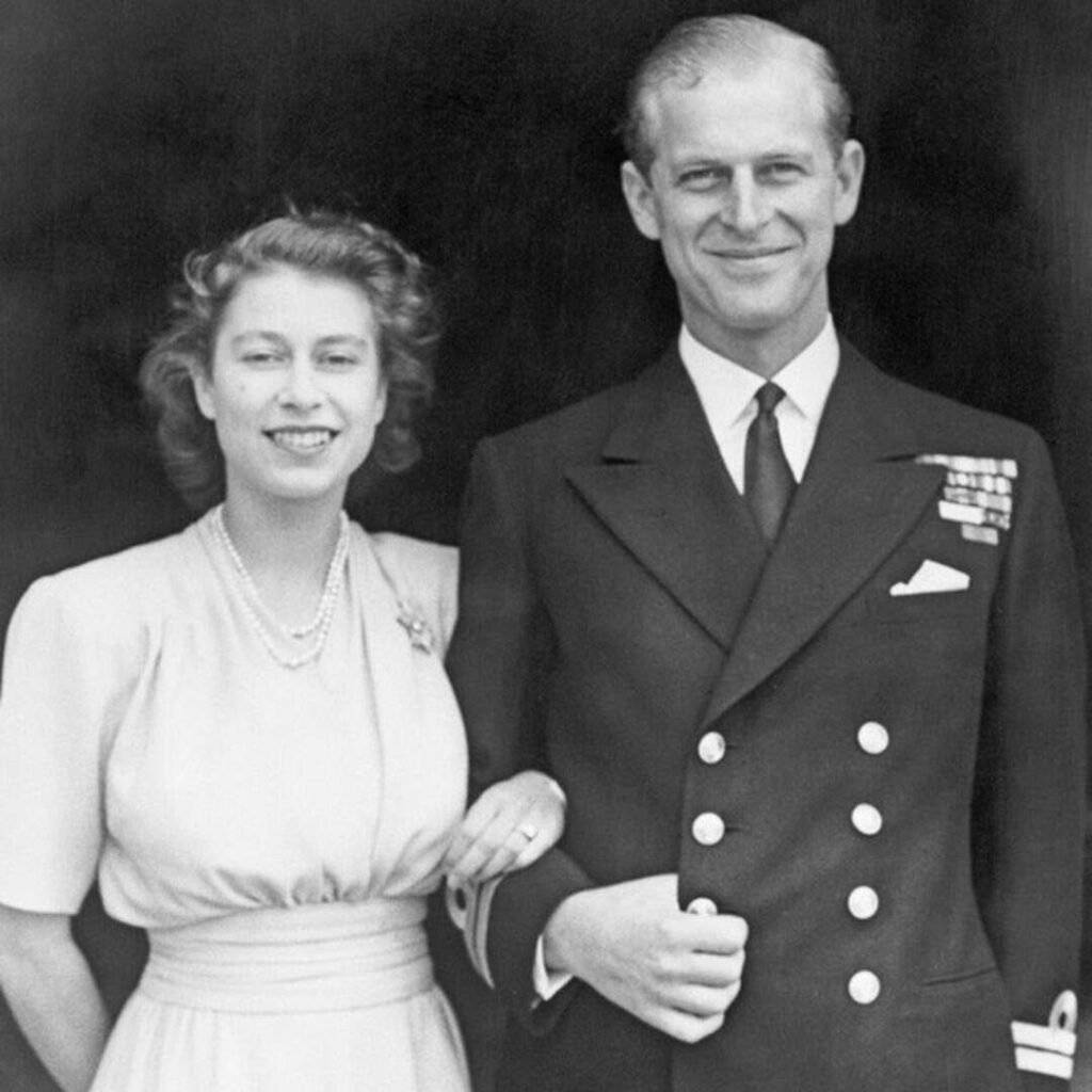 Королева Елизавета II и принц Филипп - кузены