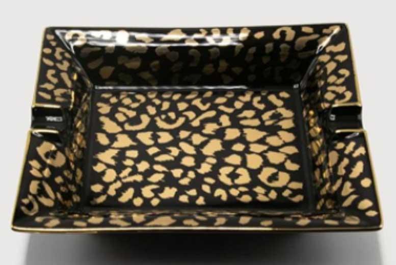 Леопардовая пепельница