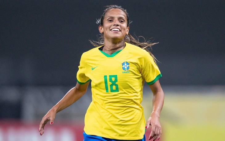 Дебинья - Норт Каролина Кураж и сборная Бразилии