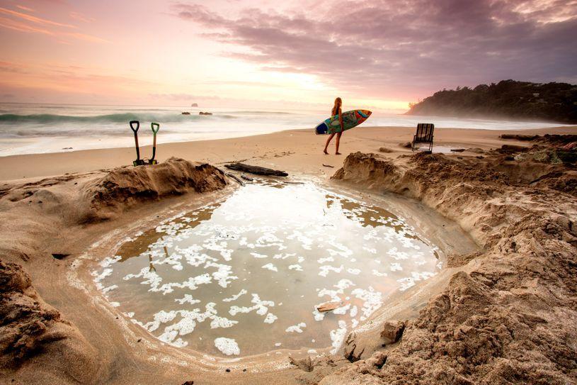 Природные термальные источники Hot Water Beach, Новая Зеландия