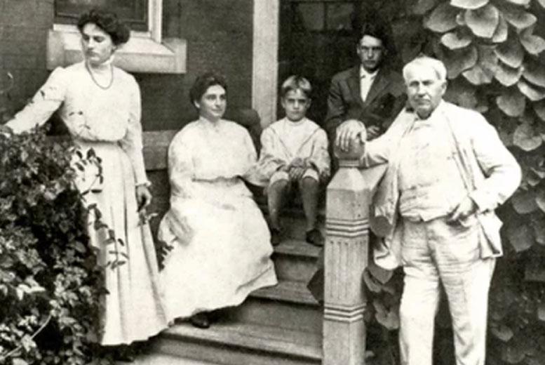 Томас Эдисон дал свом детям прозвища, вдохновившись азбукой Морзе