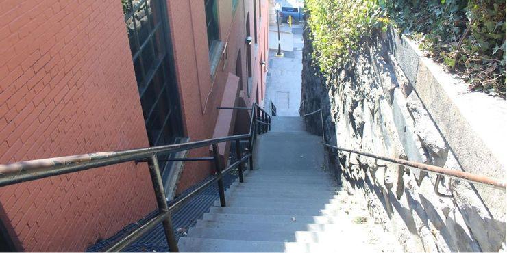 """Лестница из """"Изгоняющего дьявола"""" - Вашингтон, округ Колумбия"""