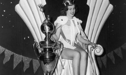 """Как с годами менялись платья победительниц конкурса """"Мисс Вселенная"""""""