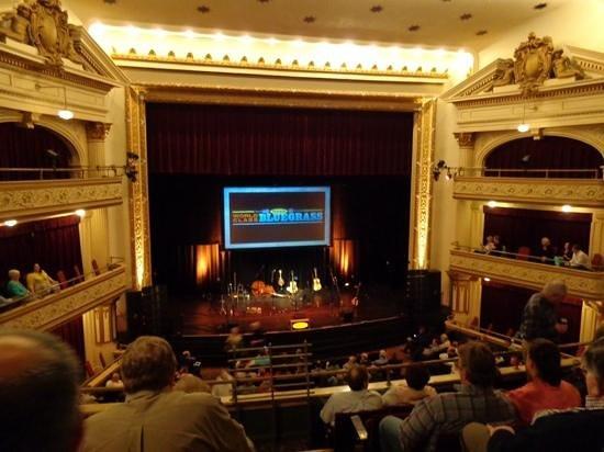 Театр Бижу, Бриджпорт, США