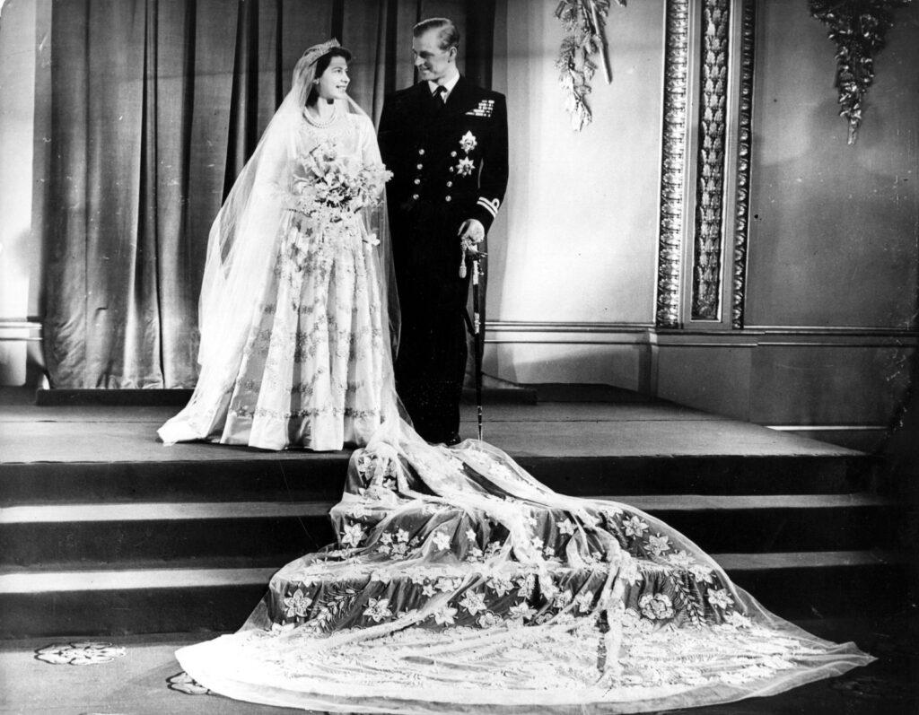 Принцесса Елизавета и принц Эдинбургский Филипп после свадьбы