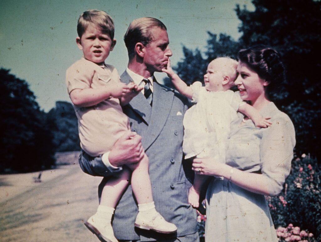 Елизавета, герцог Эдинбургский и их дети