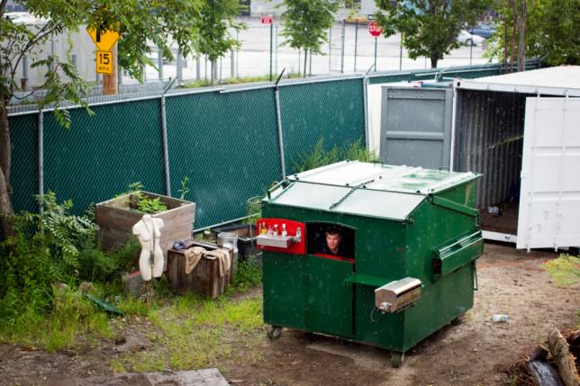 Дом-мусорный контейнер, Нью-Йорк, США