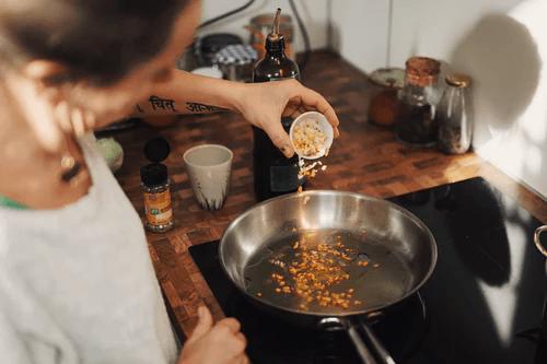 Больше готовьте и меньше ешьте вне дома