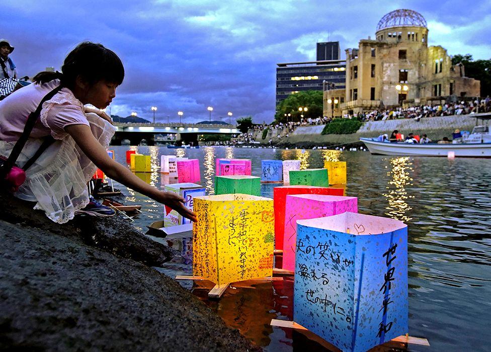 Городом-побратимом Монреаля является Хиросима