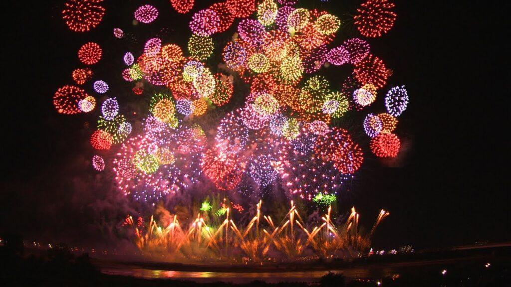 Самое крупное перотехническое представление состояло из 810904 фейерверков