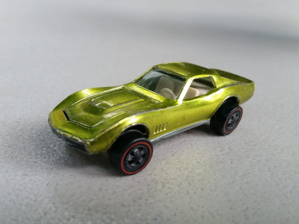"Hot Wheels выпустила ""Custom Corvette"" 1968 года до General Motors"