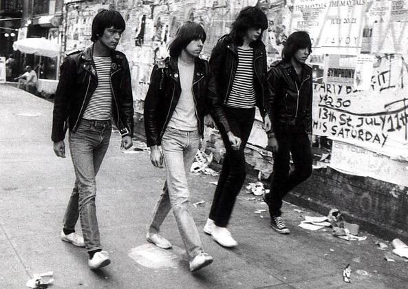 Не все музыканты панк-группы Ramones были фанатами Converse