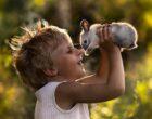 30 очаровательных фото играющих детей со всего мира