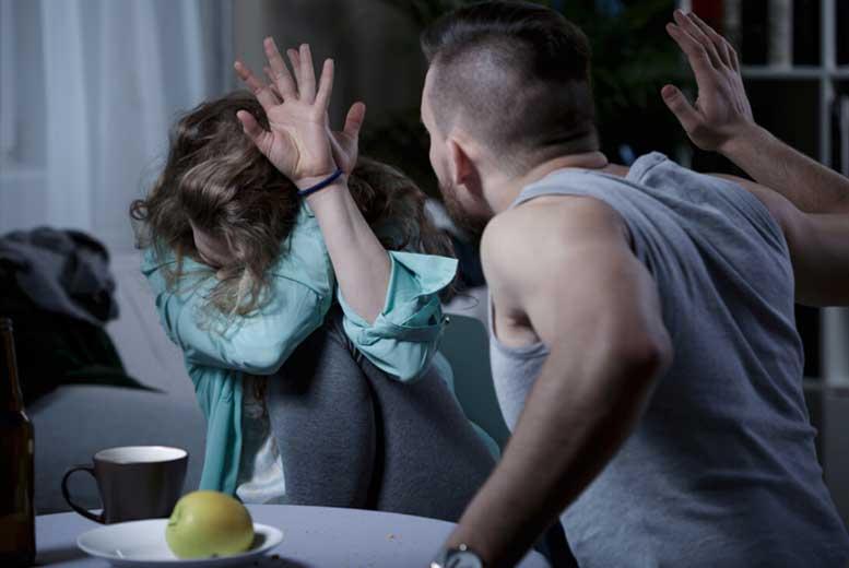Как избежать насилия мужа-тирана?