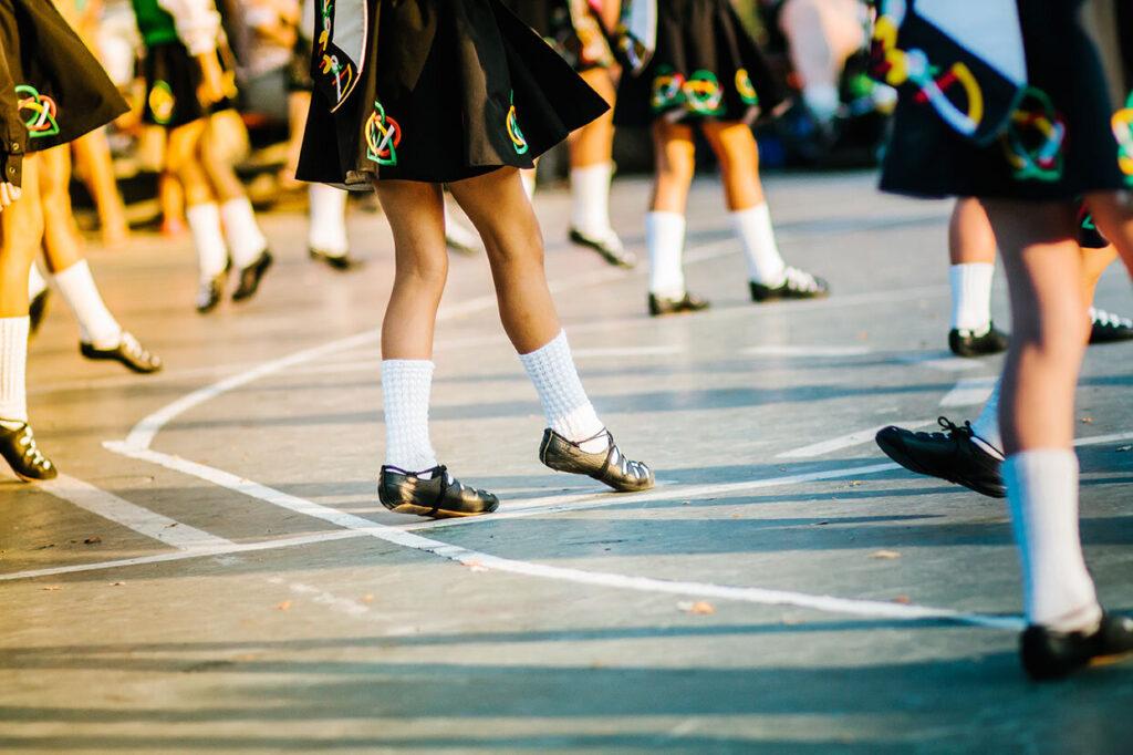 Различные виды народных танцев