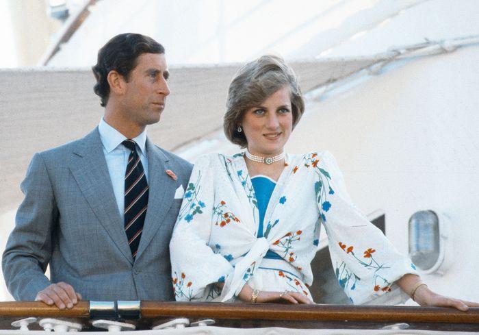Принцесса Диана и принц Чарльз встречались всего 13 раз, прежде чем обручиться