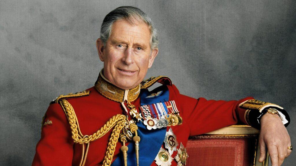 Старший сын королевы по-прежнему является принцем Уэльским