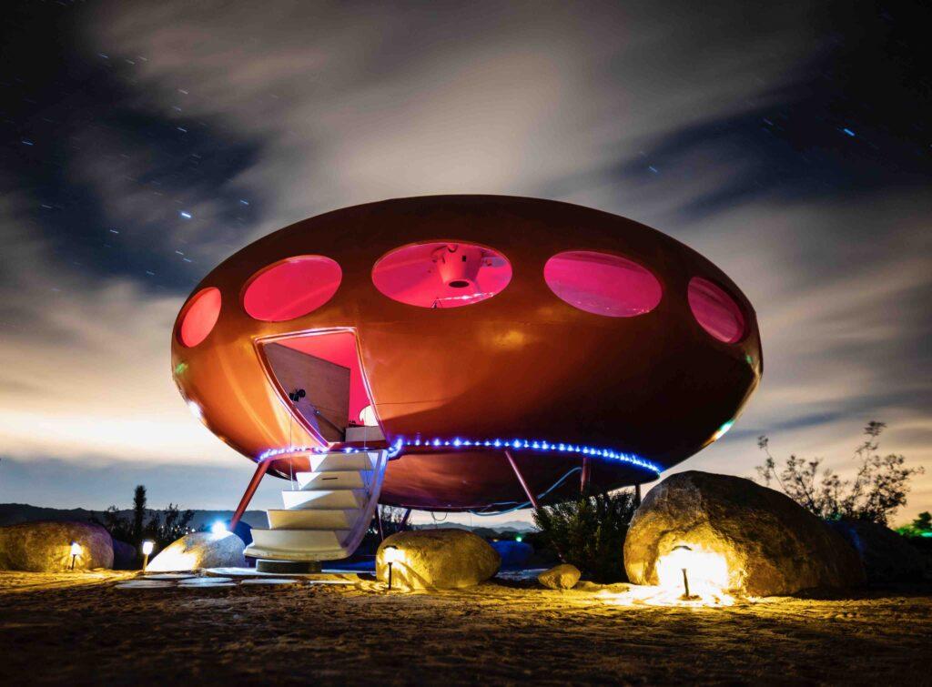 Futuro Area 55 Хаус (Джошуа Три, Калифорния)