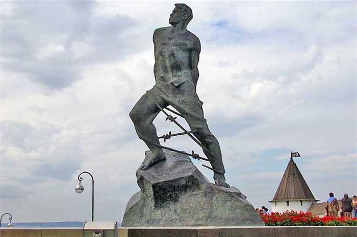 Памятник Мусе Джалилю, Казань