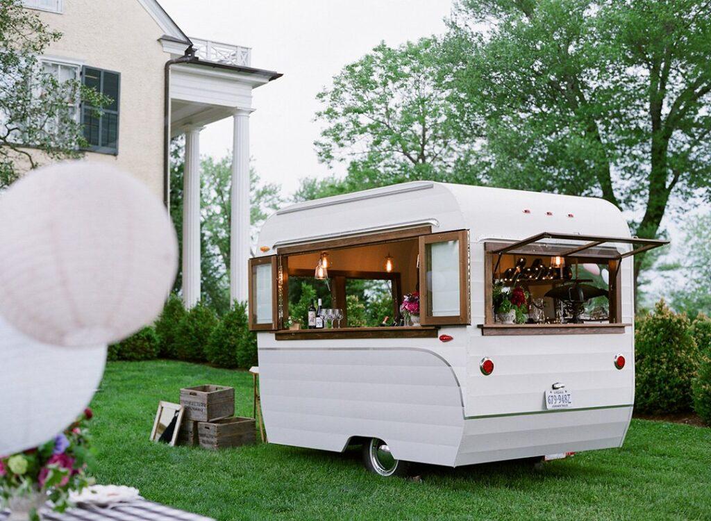 Cozy Caravan Club, несколько городов в США